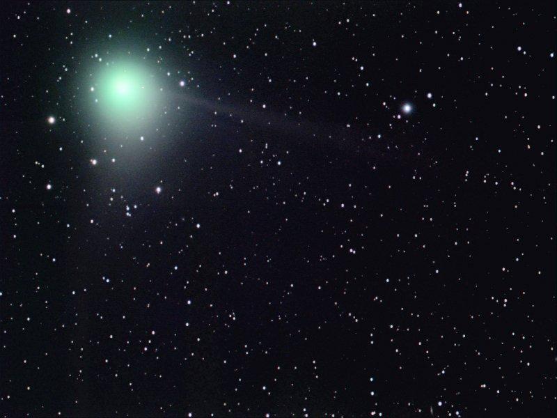 https://ugc.kn3.net/i/origin/http://spaceweather.com/comets/machholz/03dec04/holloway1.jpg