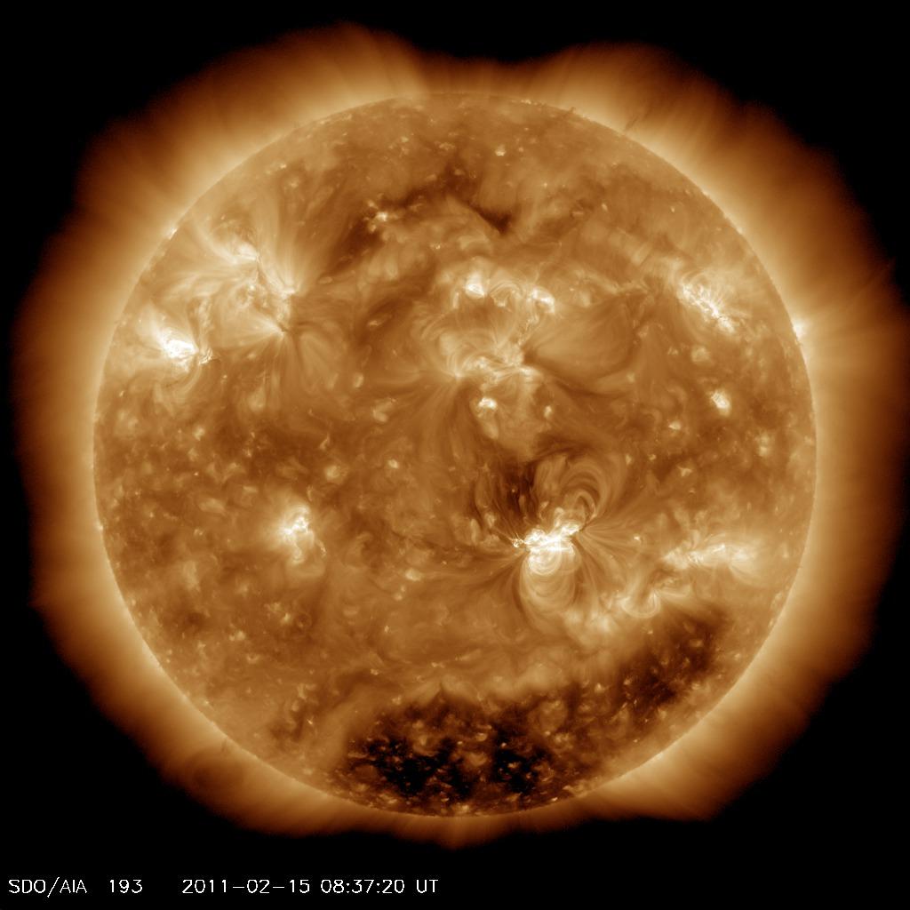 http://spaceweather.com/images2011/15feb11/coronalhole_sdo_blank.jpg?PHPSESSID=vqtpfn7r5rsc8ktmdekge4hrj1