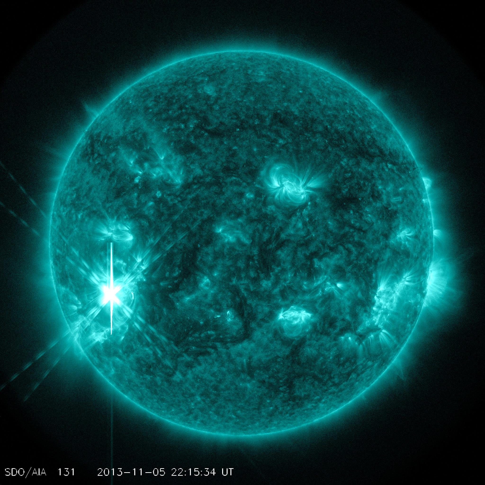 http://spaceweather.com/images2013/05nov13/x3.jpg?PHPSESSID=iet7592adeg4tnefnkpulm1co2