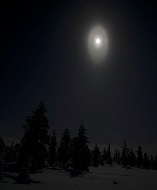 http://spaceweather.com/images2014/18jan14/koski_strip.jpg