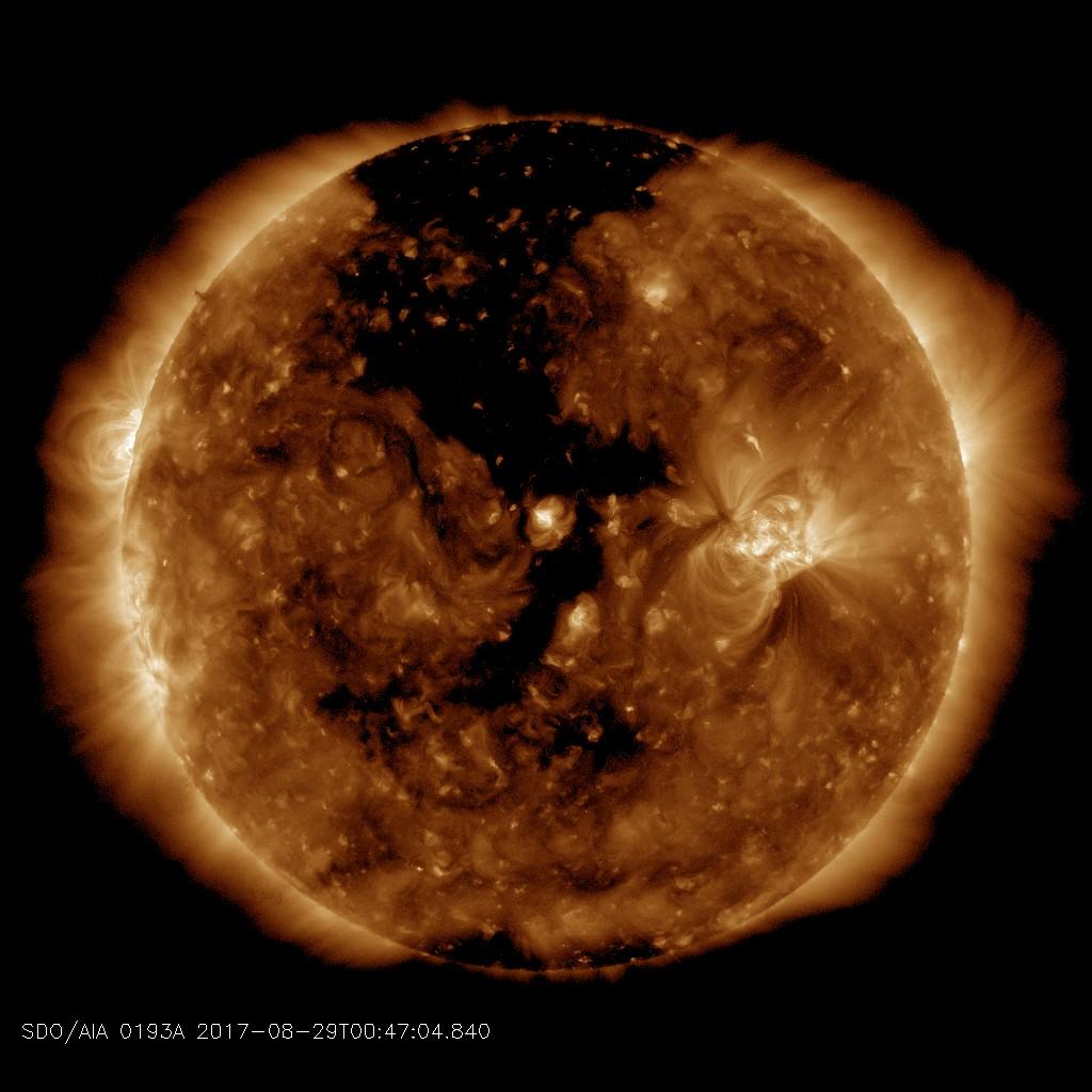 http://spaceweather.com/images2017/29aug17/coronalhole_sdo_blank.jpg?PHPSESSID=t2k6hugpv9dkf6m71b2c62sjf4