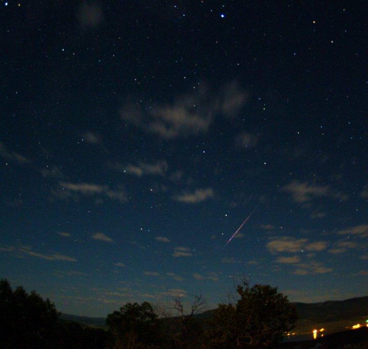 http://spaceweather.com/meteors/perseids/images2009/12aug09/jimmy-westlake1.jpg