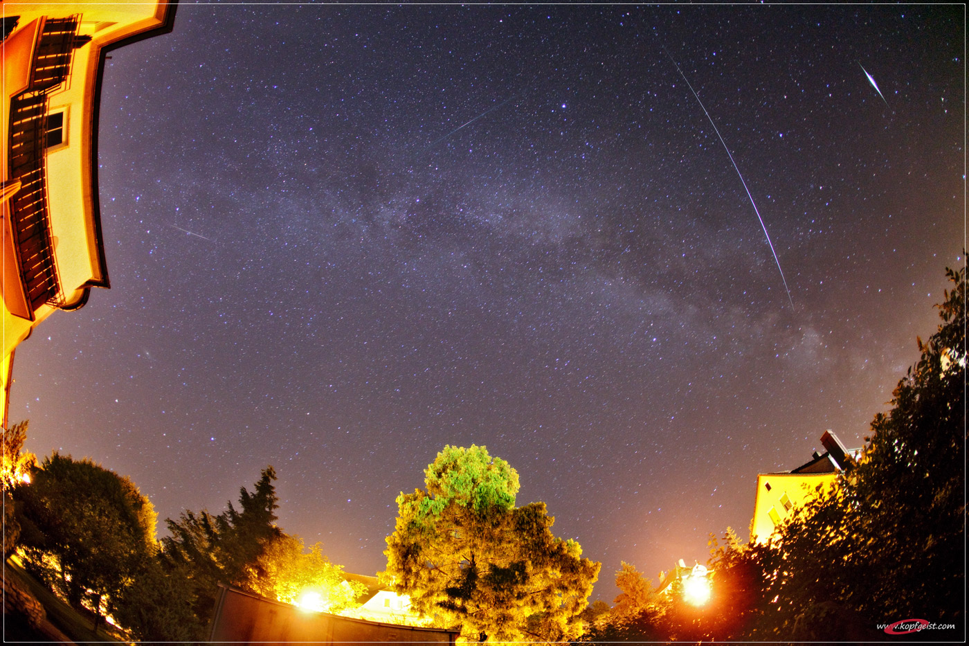 http://spaceweather.com/meteors/perseids/images2010/14aug10d/Jens-Hackmann2.jpg